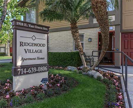 Ridgewood Village Apartment Homes Apartments In Orange Ca